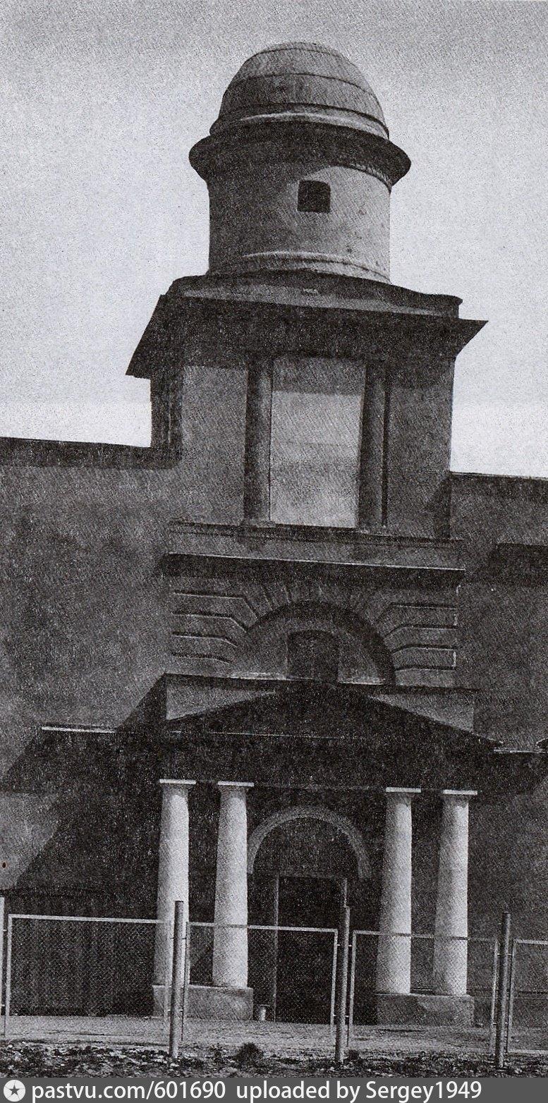 В 1930-х гг. храм был закрыт и переделан.