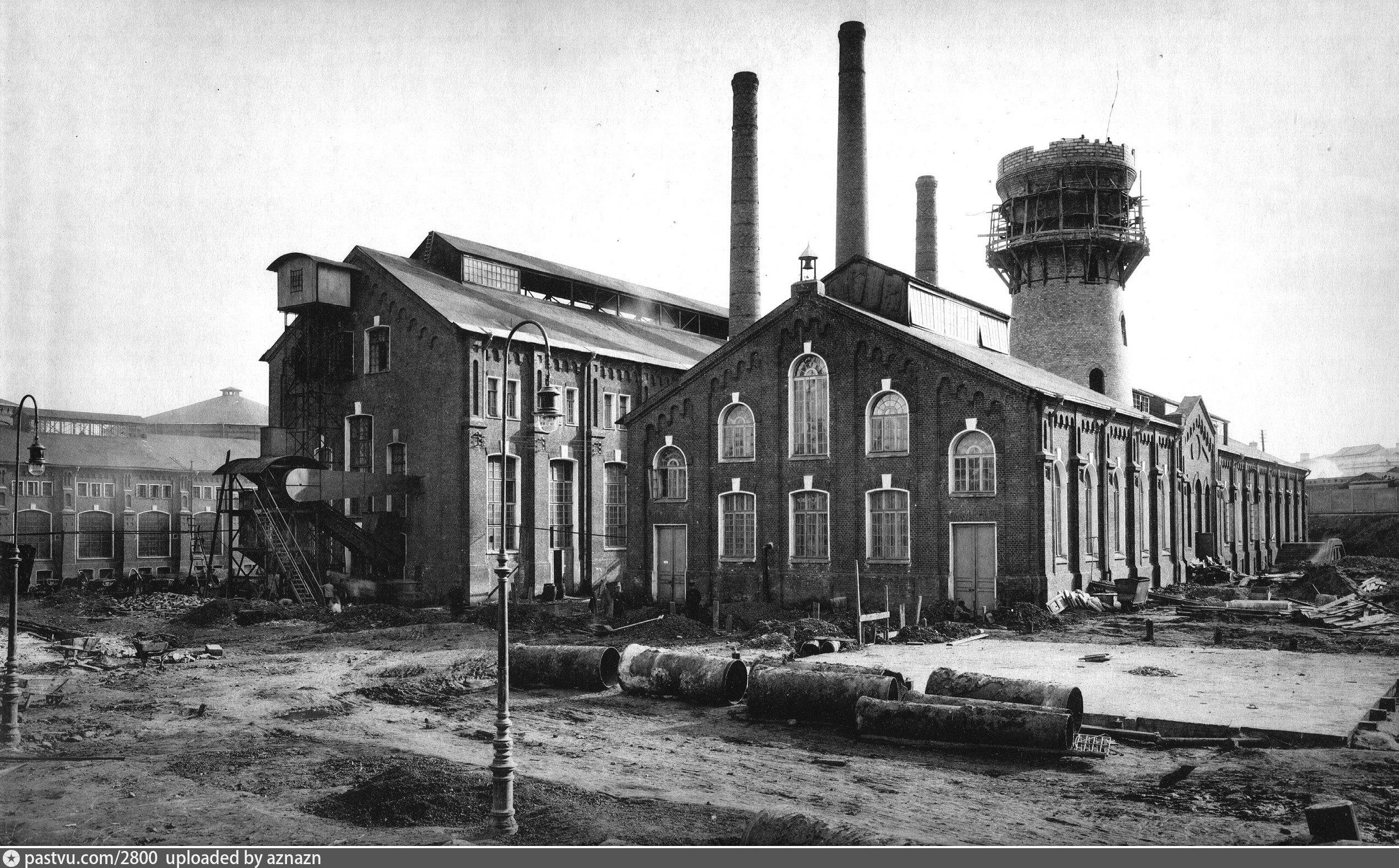 Водонапорная башня Московского газового завода в процессе постройки