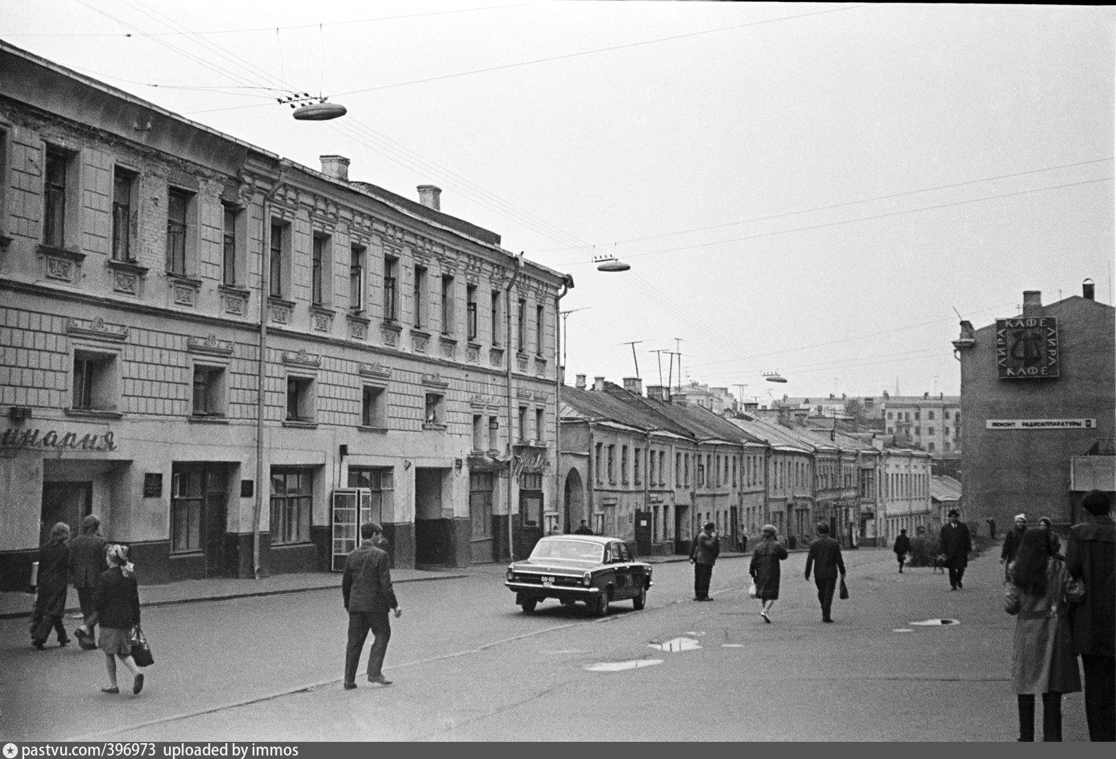 старые фото большая почтовая москва бравый командир только
