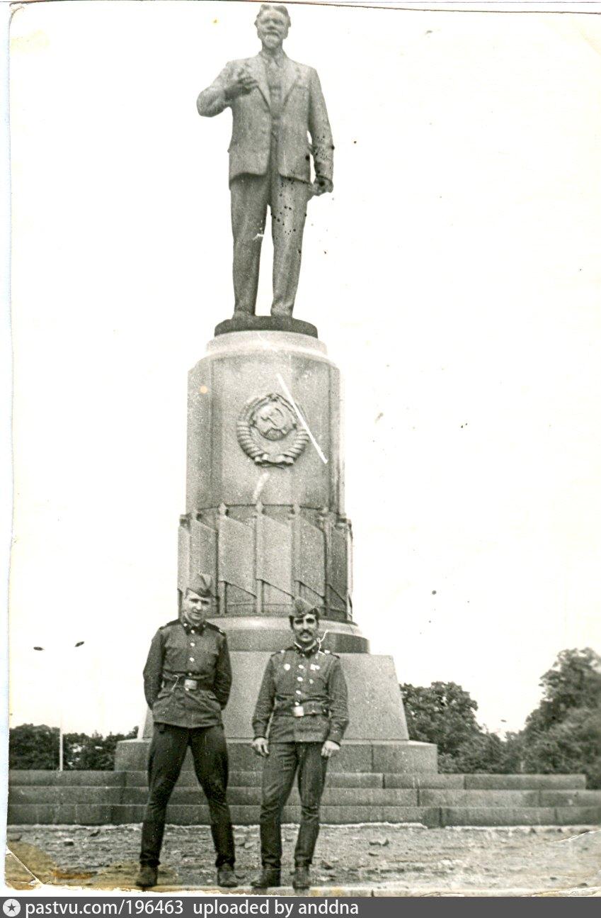 памятник калинину в калининграде фото любой уголок