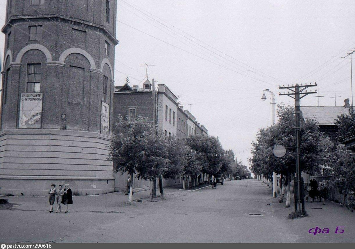 Водонапорная башня в Павловском Посаде  в начале шестидесятых