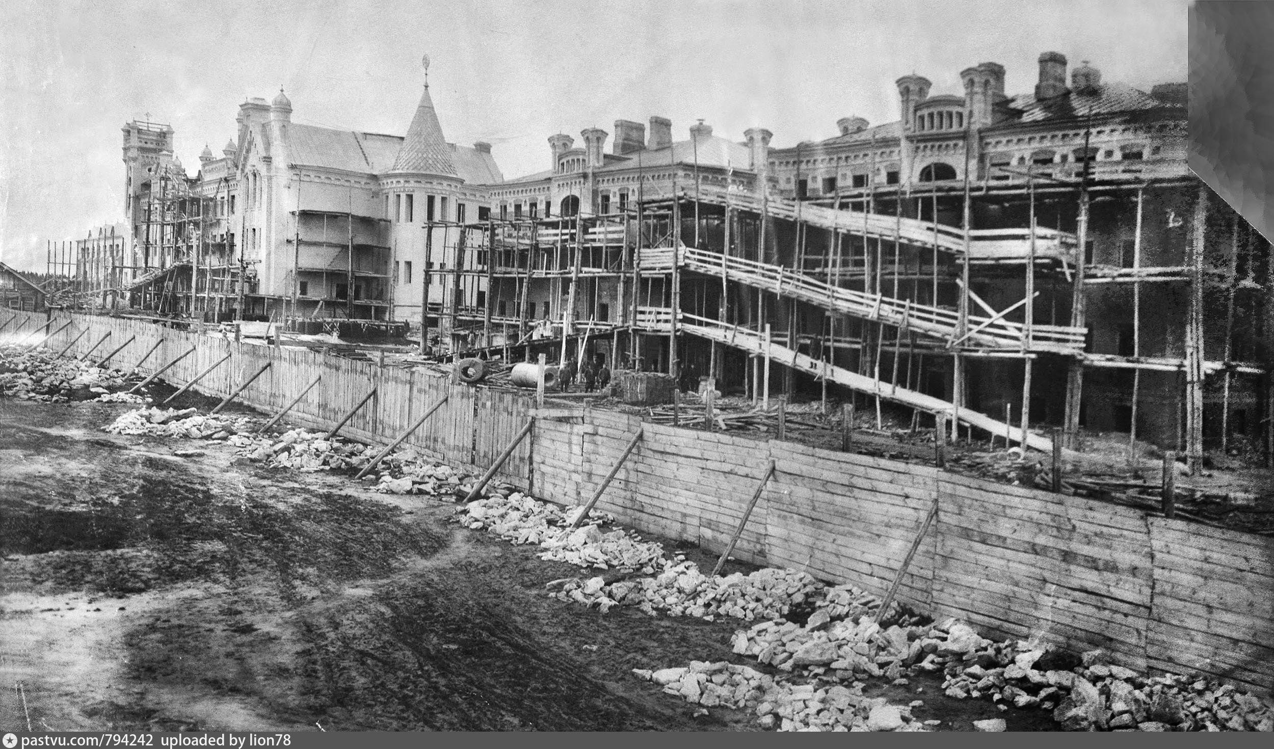 1908. Строительство Технического Училища и домов студентов и преподавателей.