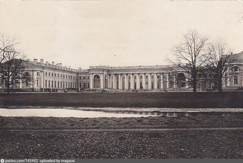 александровский дворец старые фото бежевое гипюра