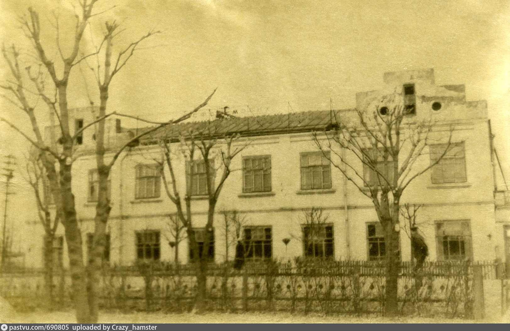 Серый старооскольский кирпич фото фасада изучает