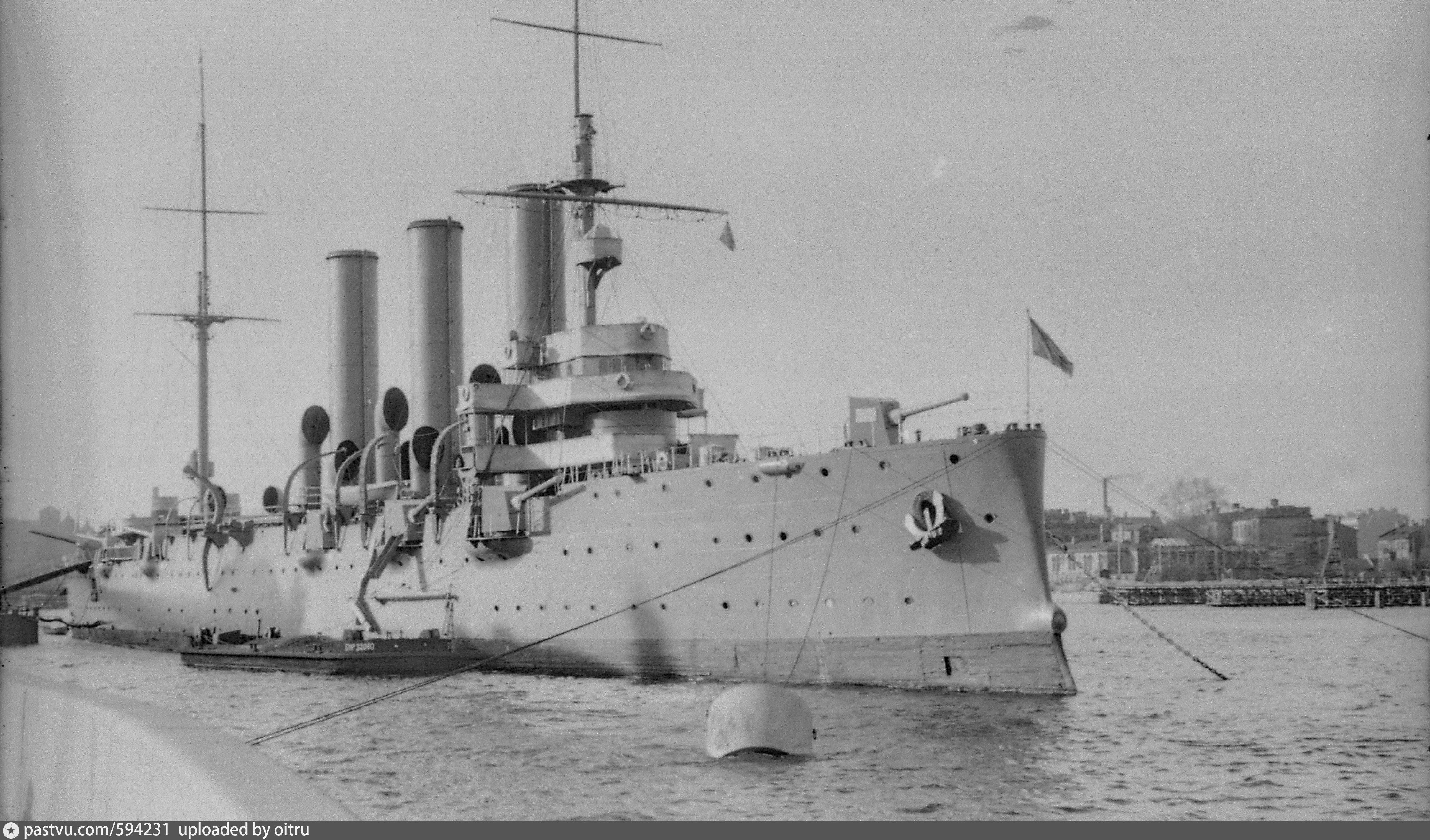 примеру, некоторые картинка крейсер сверху в порту ессентуках