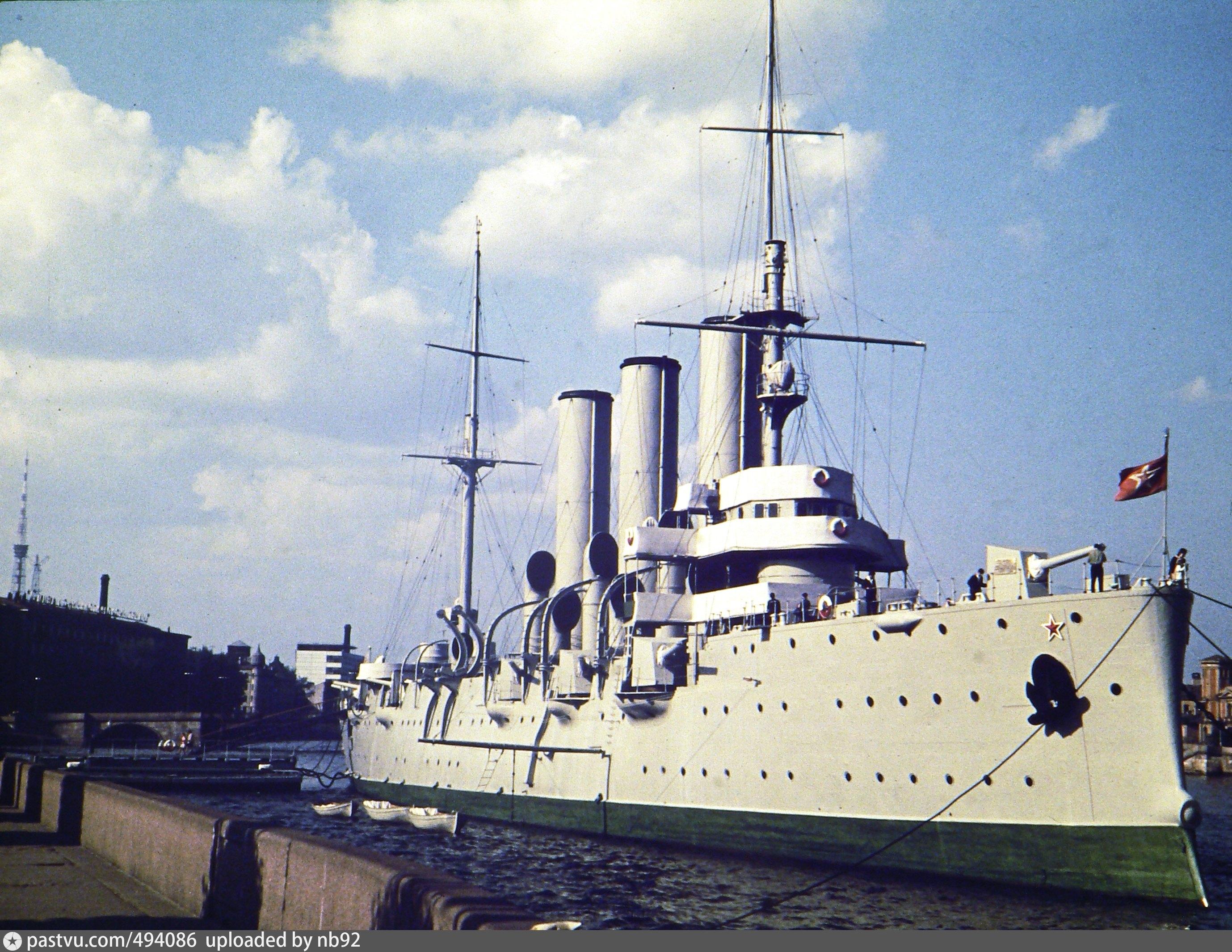 медные литые крейсер аврора советские фото почему