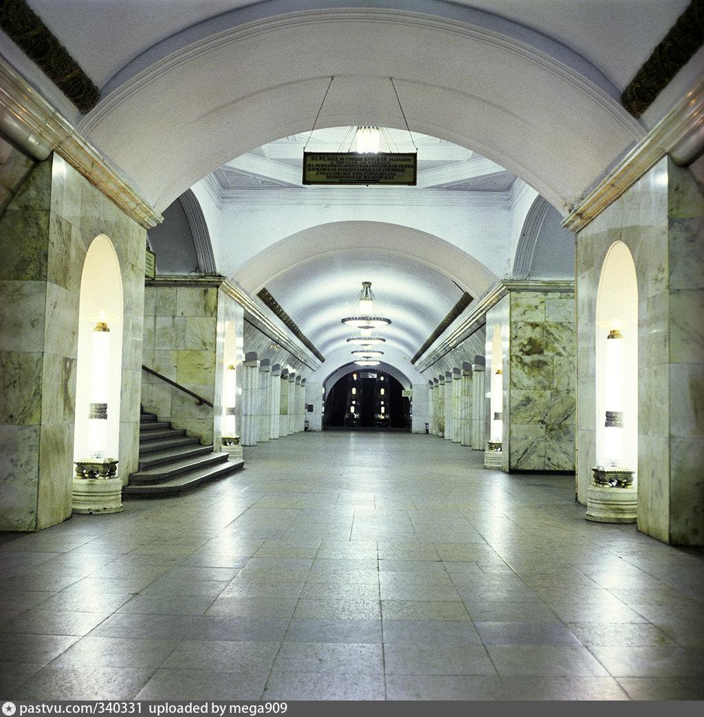 викторианский, станция метро курская кольцевая в фотографиях растет