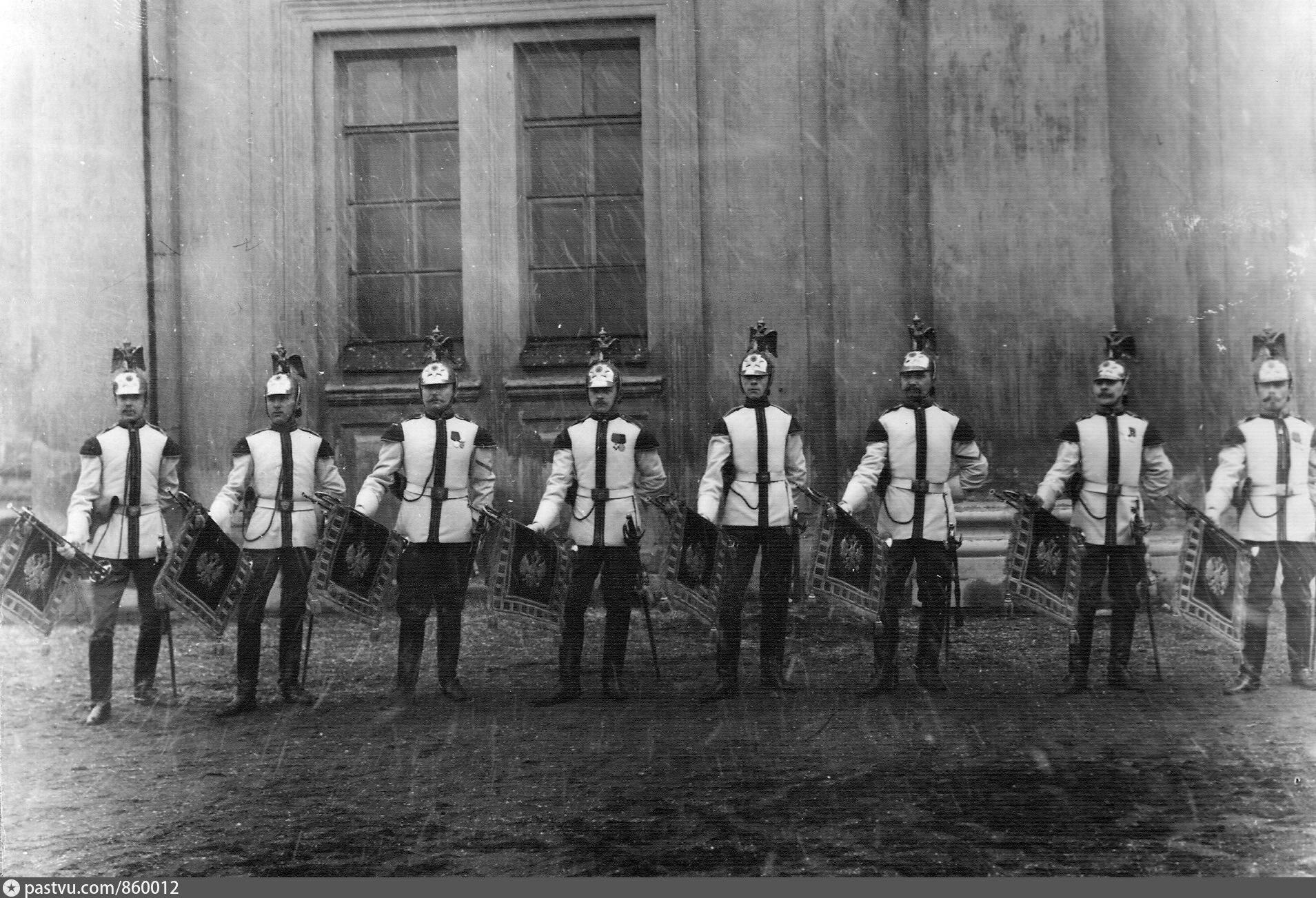 произвести работы полковые фотографии конной гвардии в с петербурге оригинальном стиле минимализм
