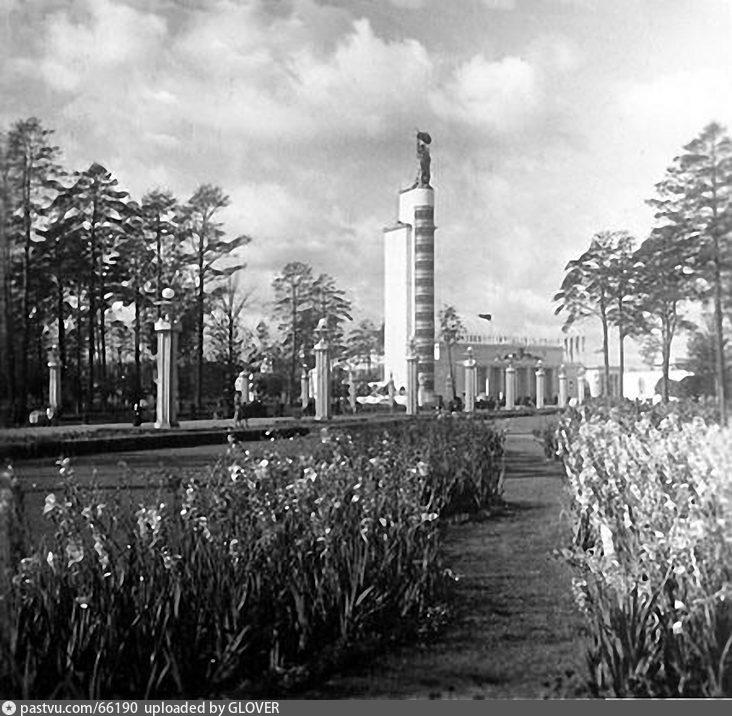 ВСХВ. Вид на Главный павильон (1939-1941)