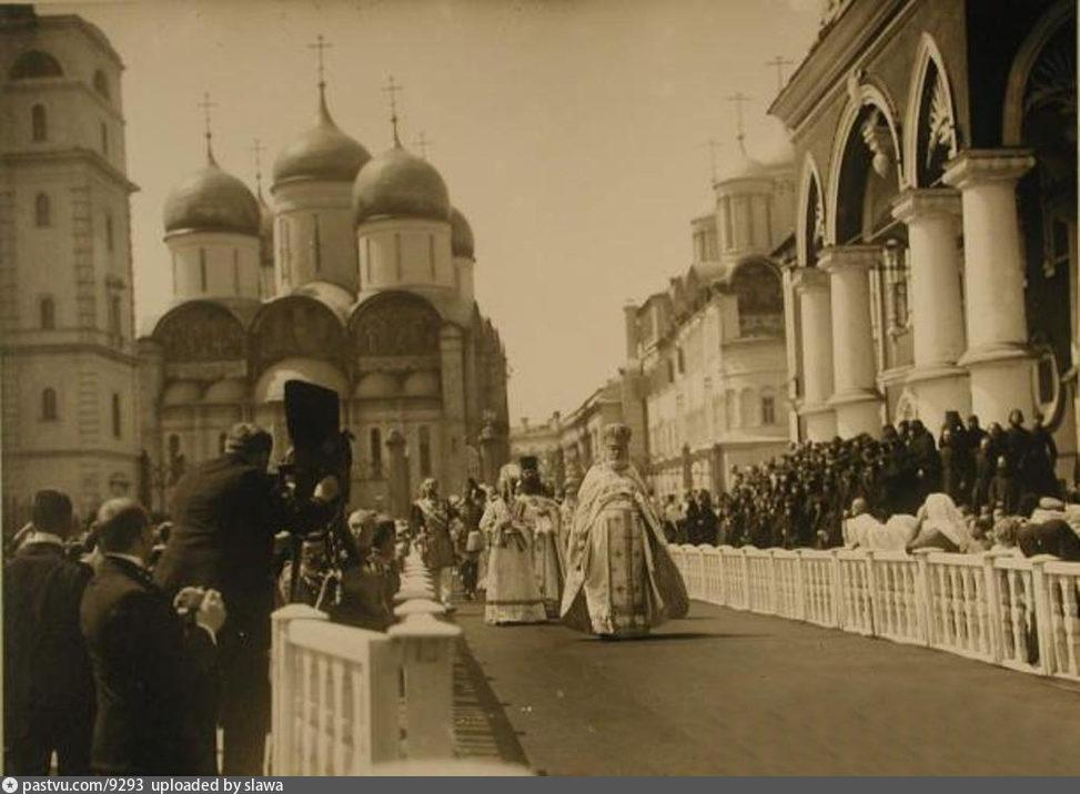 http://www.oldmos.ru/upload/photos/2/f/3/800_2f3b3ac500bc13ff00b71829ccc5a989.jpg