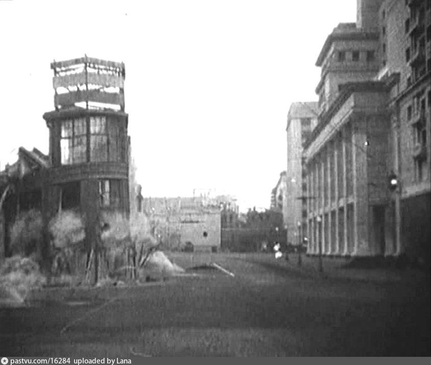 История Манежной площади