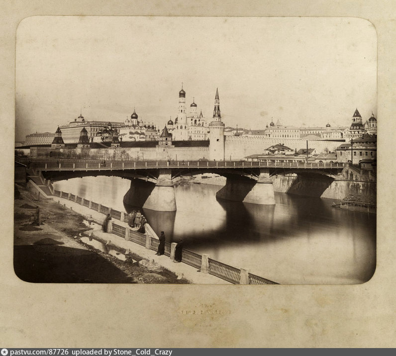 Вид на кремль и москворецкий мост