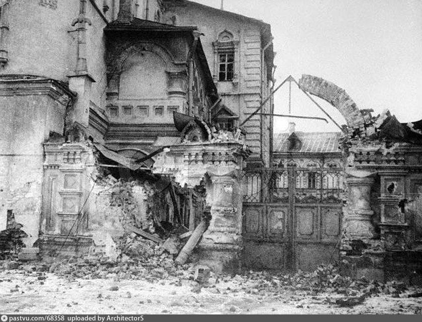 Ц. 12 апостолов после обстрела, 1917. Автор: А.Ф.Дорн
