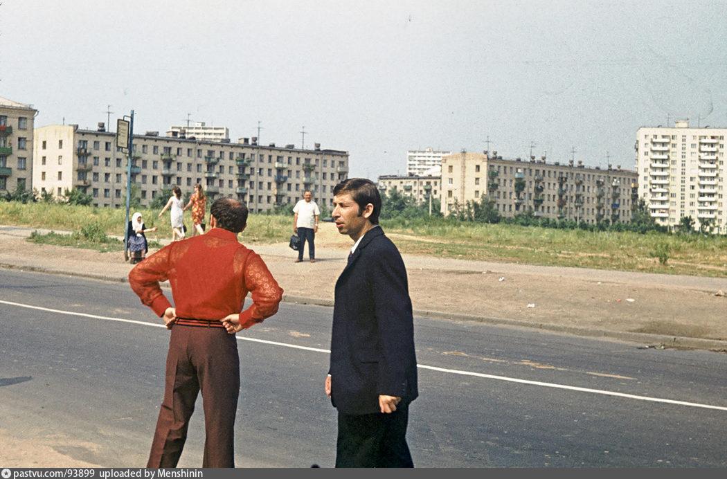 Ярцевская ул. (на запад)