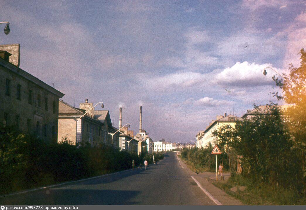 бесплатно город никель фото гвардейский проспект борьбу