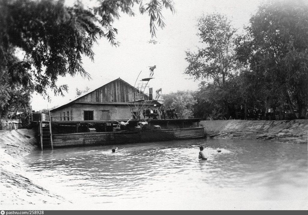 Училищный бассейн