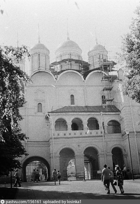 Северный фасад Патриаршего дворца и ц. 12 апостолов, 1982. Автор: И.Нагайцев